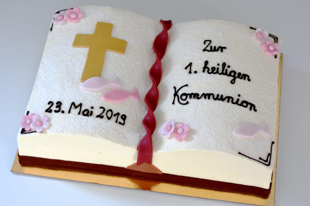 Torte zur Kommunion in Buchform